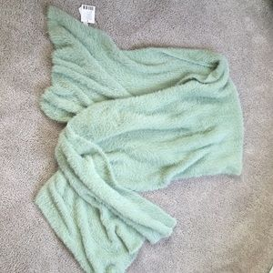 Urban Outfitters fluffy and soft scarf NWT